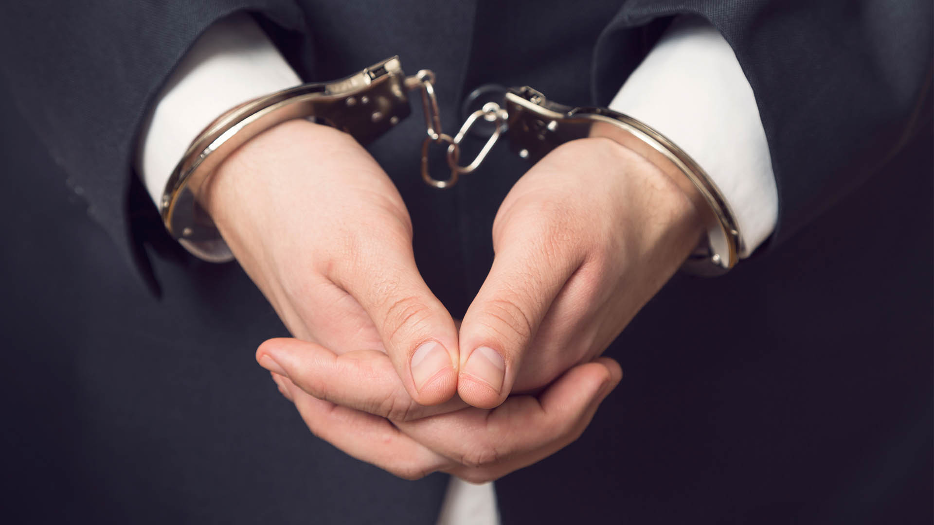 Crook Who Cheated Mumbai Builder Of Rs. 6 Crores Arrested, Found With Fake IDs